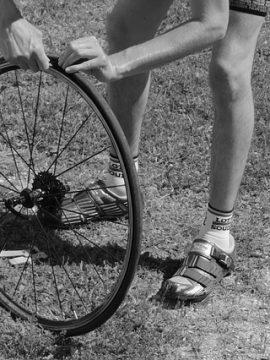 מדריך בסיסי לתיקון תקר בגלגל האופניים שלך